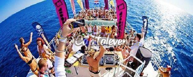 Festa di Compleanno In Barca Per i 18 Anni