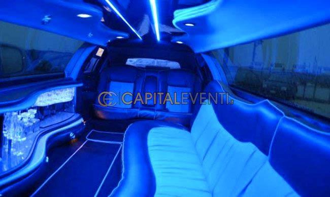 Festa in limousine quale look è adatto e quale no